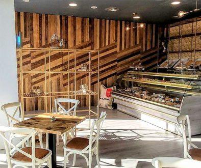 dpales. Cafetería Canotiers Panelado madera reciclada